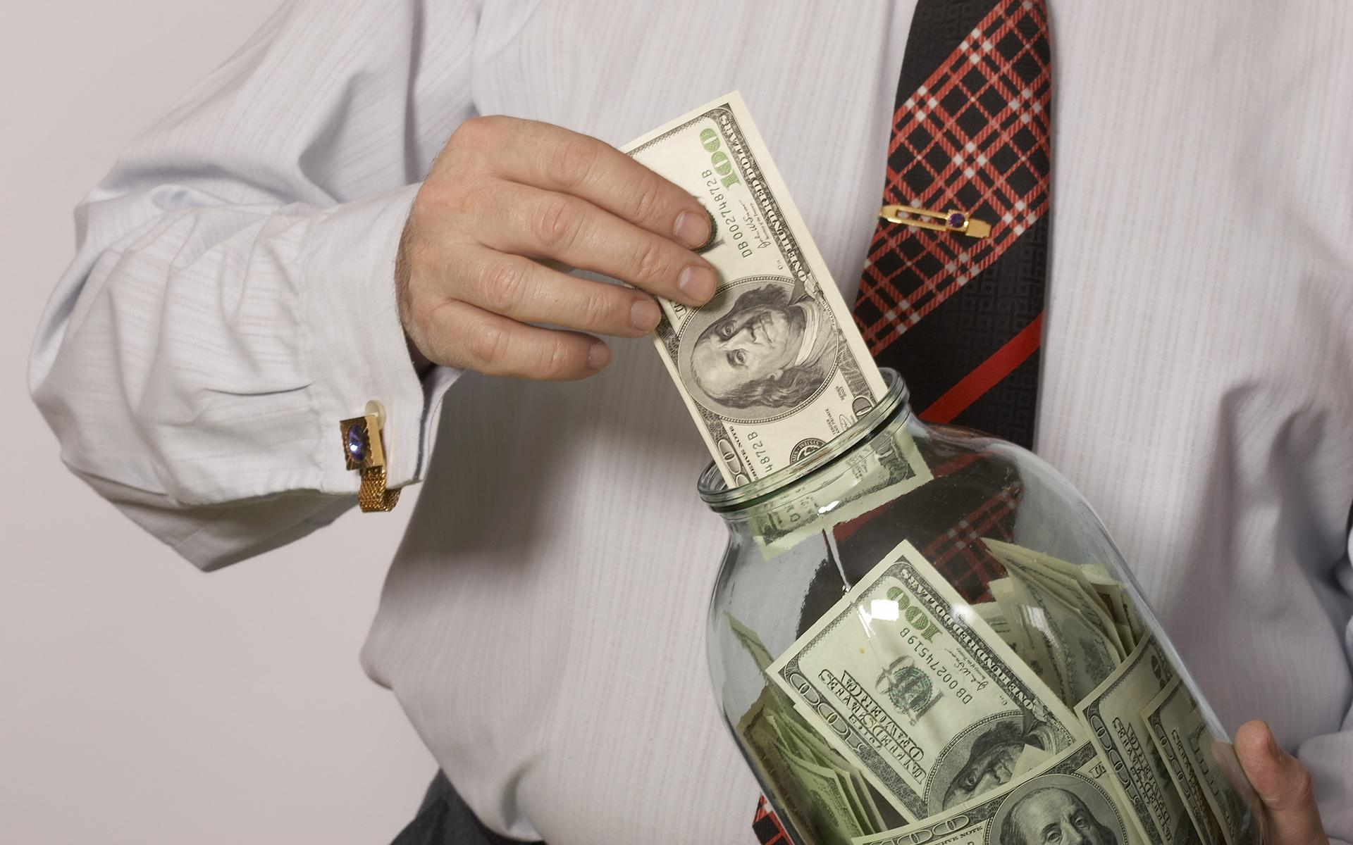 как деньги делают деньги примеры