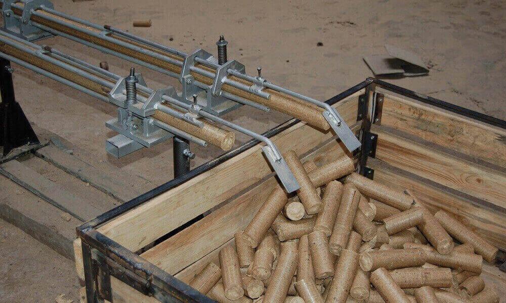 Виробництво брикетів з тирси
